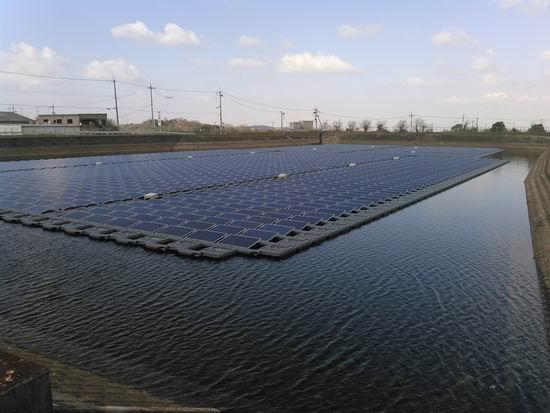 湖上太陽光発電